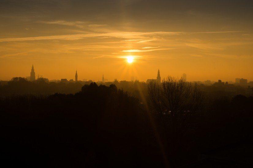 orange-sunrise-sunset-4202-826x550
