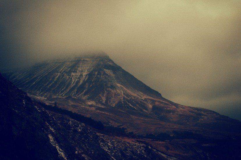 dark-mountain-3182-828x550